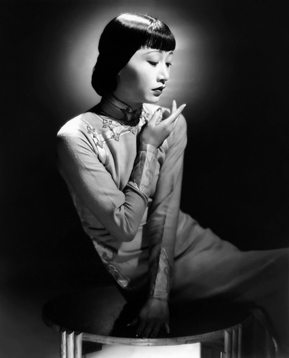 Anna May Wong wearing a cheongsam 1938