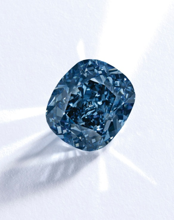 lot-513-the-blue-moon-diamond